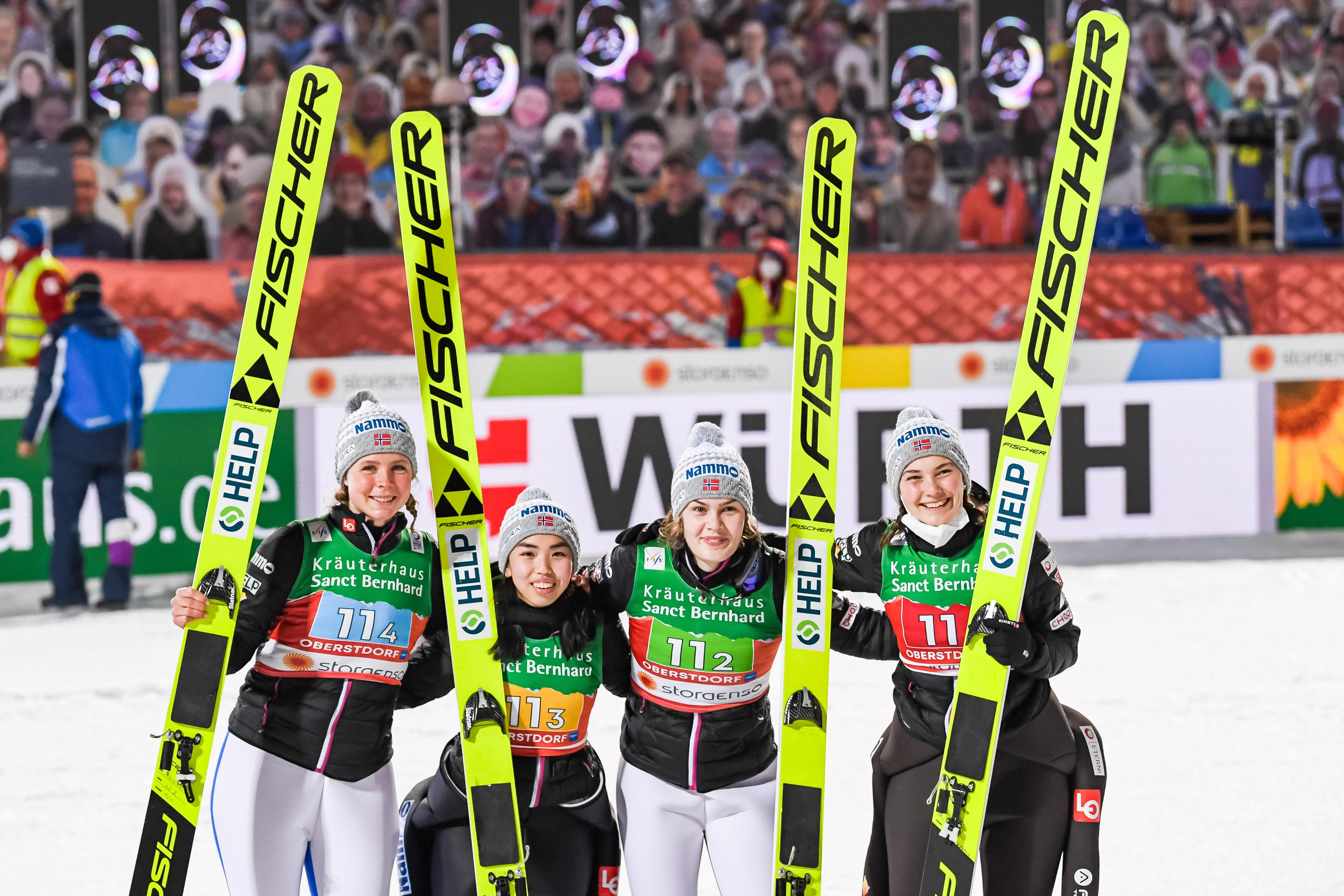 Norwegen und Österreich winning in Oberstdorf